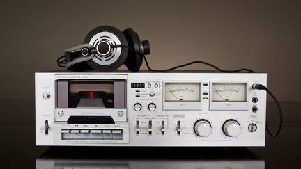 Retro cassette player amp