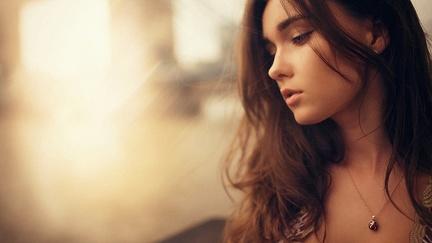 Beautiful woman - wallpaper