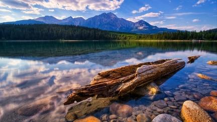 Strain and lake
