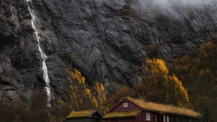 Black Cliff - hut