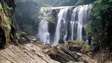 Beautiful waterfall (2)