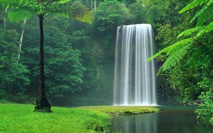 Beautiful waterfall - HD wallpaper